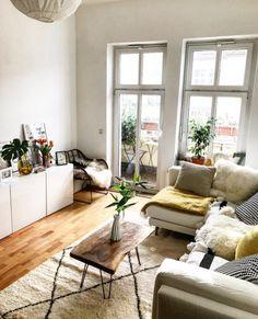 Ein kleiner, selbst gemachter Wohnzimmertisch. #DIY #Tisch #Wohnzimmer