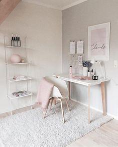 Best Desk Decor Design Ideas & Fun Accessoris DIYs for your desk - Brad S Knutson 🏠 Home Design Lover - It is The Time Club Minimalist House Design, Minimalist Home, Minimalist Bedroom, Home Office Design, Home Office Decor, Office Ideas, Office Designs, Pink Office Decor, White Desk Decor