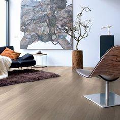 UE1304 - Light grey varnished oak, planks