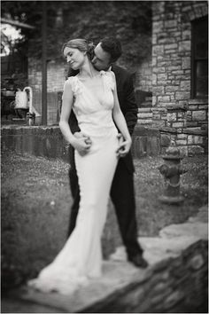 The Real Deal: A Vintage Wedding Dress 1930s Wedding, Vintage Wedding Photos, Vintage Bridal, Vintage Weddings, Classic Weddings, Vintage Gowns, Country Weddings, Vintage Pictures, Vintage Dress