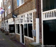 Streekmuseum Goeree-Overflakkee te Sommelsdijk is gevestigd in 5 aaneengesloten monumentale panden. Netherlands, Holland, Dutch, Twin, Places, The Nederlands, The Nederlands, The Netherlands, Dutch Language