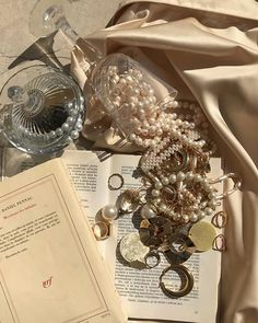 Image about aesthetic in Jewellery & Accessories 👑💍🛍 by Miss Flower Cream Aesthetic, Boujee Aesthetic, Brown Aesthetic, Aesthetic Vintage, Aesthetic Photo, Aesthetic Pictures, Different Aesthetics, Princess Aesthetic, Fancy