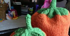 My hairdresser is due to have her second child on Halloween and I thought it was only fitting to make her kiddos some pumpkin hats! Knitting For Kids, Baby Knitting, Knitted Headband Free Pattern, Pumpkin Hat, Baby Knits, Slouchy Hat, Cardigan Pattern, Second Child, Hairdresser