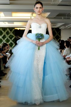 Oscar de la Renta Bridal, primavera-verano 2013 | Galería de fotos 33 de 35 | VOGUE