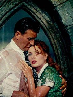 THE QUIET MAN - John Wayne & Maureen O'Hara - Directed by John Ford - Republic Pictures. ☆ This is one of my favorite scenes in any movie! Golden Age Of Hollywood, Vintage Hollywood, Hollywood Stars, Classic Hollywood, Hollywood Couples, Hollywood Actresses, Michael Fassbender, Hrithik Roshan, Ranbir Kapoor