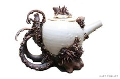6 awesome Tentacles Teapots by Mary O'Malley http://thefabulousweirdtrotters.tumblr.com/post/79823994285/