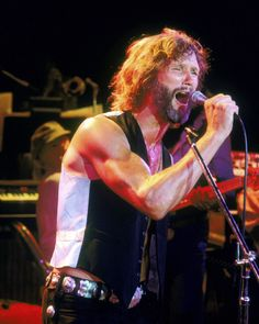 A Star Is Born Concert   KRIS KRISTOFFERSON A STAR IS BORN GREAT IMAGE IN CONCERT SCENE POSTER ...