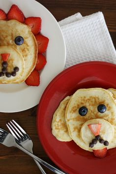 Seriously adorable animal-shaped pancakes are super easy to make with the kiddos!