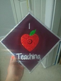 Teachers Graduation Cap...maybe I can do this one!