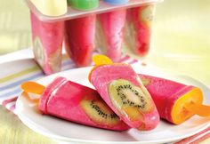 What a yummy looking popsicle! Frozen Desserts, Frozen Treats, Hotel Food, Dessert Aux Fruits, Cold Meals, Ice Cream Recipes, Frozen Yogurt, Sweet Recipes, Smoothies