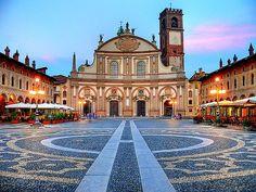 Piazza Ducale, Vigevano 1492-94  #architecture #piazza