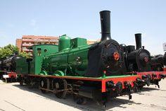 "120-2131 ""Oeste 77"": Va ser creada per la companyia Esslingen a Alemanya, va funcionar des de l'any 1884 fins al 1960. Fue creada por la compañía Esslingen en Alemania, funcionó des del año 1884 hasta el 1960. It was created by the company Erlangen in Germany, it was running from 1884 until 1960."