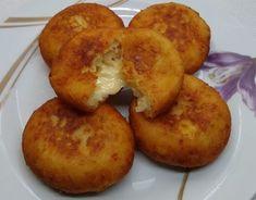 Γεμιστά πιτάκια πατάτας με τυριά και αλλαντικά Baked Potato, Muffin, Baking, Breakfast, Ethnic Recipes, Life, Recipes, Finger Food, Bakken