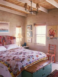 Headboard and trunk at foot of bed. 30 Fascinating Boho Chic Bedroom Ideas