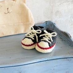 赤ちゃんに手編みしたい!元気なハイカットスニーカーのベビーシューズの作り方(ベビー) | ぬくもり