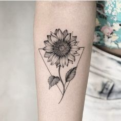 Chic Sunflower Tattoos Ideas That Will Inspire You To Be Colorized To . - Chic Sunflower Tattoos Ideas That Will Inspire You To Be Inked – Stylish Chic Sunflower T - Girls With Sleeve Tattoos, Small Girl Tattoos, Tattoo Girls, Trendy Tattoos, Flower Sleeve Tattoos, Tattoo Sleves, Unique Tattoos For Women, Cute Simple Tattoos, Wrist Tattoos For Women