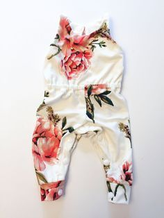 Newborn Outfit I love the flower print on this for a baby girl summer outfit – perfect with a cute flower or bow headband Baby Girl Romper, My Baby Girl, Baby Girls, Infant Girls, Toddler Girls, Girls Summer Outfits, Baby Outfits, Kids Outfits, Baby Dresses