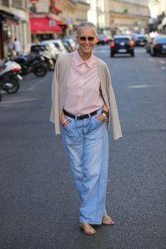 Mature Fashion, Older Women Fashion, 60 Fashion, Fashion Over 50, Denim Fashion, Fashion Outfits, Womens Fashion, Linda V Wright, Look Jean