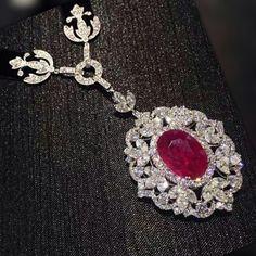 #Burma Ruby diamond pendant necklace#necklace #necklaces #necklace#burma #pendants #luxury #luxurydesign #luxuryfashion #luxuryjewelry #luxurystyle #ruby #ruby#rubyred #red #diamonds #diamond #diamonddesign #diamondjewelry #dia#fashion #fashionjewelry #fashiondesigner #fashiondesign #fashion