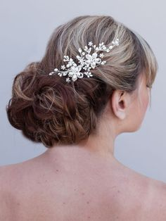 Rhinestone and Pearl Flower Hair Comb