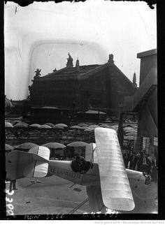 École d'aviation aux Galeries #Lafayette (agence de presse Mondial Photo-Presse, 1932).