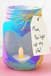 DIY Gifts for Mom - Easy DIY Gifts Kids Can Make For Mom - Homemade Gift Ideas for Mom (hand print gifts and footprint crafts too!) - DIY Mother's Day Gift Ideas DIY for Kids - Homemade Gifts for Homemade Mothers Day Gifts, Easy Homemade Gifts, Diy Gifts For Mom, Mothers Day Crafts For Kids, Easy Gifts, Gift For Parents, Diy Christmas Gifts For Mom From Daughter, Mothers Day Gifts From Daughter, Cool Mothers Day Gifts
