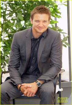 Jeremy Renner Bourne | Jeremy Renner: 'Bourne Legacy' Rome Photo Call! | Jeremy Renner Photos ...