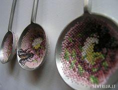 needlepoint in sieves / strainers.  El blog de Dmc: Severija bordando en punto de cruz sobre metal
