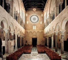 La cattedrale di Trani e altre chiese romaniche in Puglia