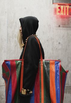 Native Fox - Jennifer Grace : Bazar - Photo 3: Balenciaga