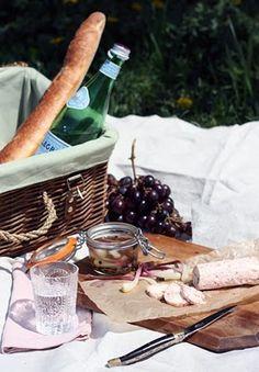 Find picnics so romantic.. Love it
