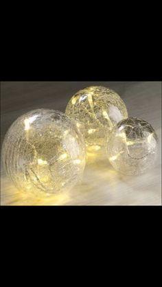 Light bauble centrepiece