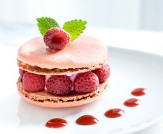 raspberry macaroon