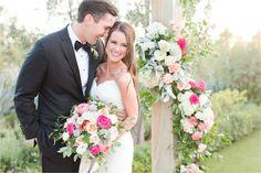 Wedding day bouquet and altar goals :)