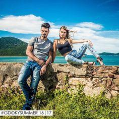 """O """"velho e o novo"""" o """"rústico e o delicado"""". Marcada por contrastes a coleção de verão 16/17 Gdoky Jeans é urbana e sofisticada. Confira no site: www.gdokyjeans.com.br #Gdokyjeans #Summer1617"""
