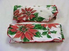 Christmas Napkins, Vintage Christmas Napkins, Vintage Napkins, Christmas napkins With Poinsettias - pinned by pin4etsy.com