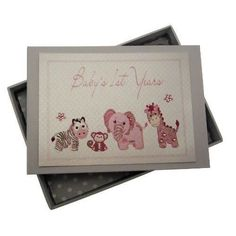 http://www.cdiscount.com/arts-loisirs/papeterie-fournitures-scolaires/white-cotton-cards-baby-s-1st-years-mini-album-pho/f-zoom-AUC5060375664349-0.html