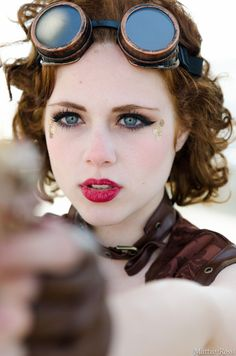 steamcrunked: steampunktendencies: Romics... | Chaltenianas