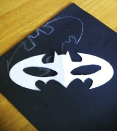 DIY Batgirl mask with foam or felt from Mommy Mentionables