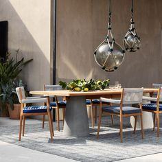 Table et table basse extérieur Cassina DINE OUT L 280 Bureau Design, Dining Table, Dining Chairs, Dining Room, Terrazzo, Muuto, Colourful Cushions, Kartell, Lanai