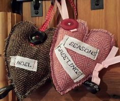 Harris tweed heart, shabby chic christmas, christmas decorations, country christmas, vintage button,  dottydovesdesigns.com