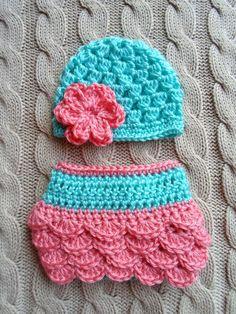 Cute Newborn Girl Hat and Diaper Cover in Aqua and Coral