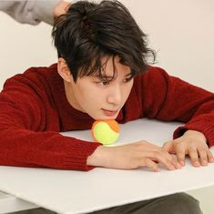 "Kim Dong Hee di Instagram ""@kim_d.he #kimdonghee #김동희 💋"" Cute Korean Boys, Asian Boys, Asian Actors, Korean Actors, Korean Celebrities, Celebs, Kim Dong, Kdrama Actors, Kpop Boy"