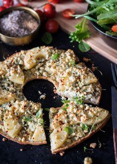 Sinihomejuusto-ananasleipä