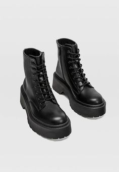 Black lace-up ankle boots with extra-chunky soles - Women's Fashion Lace Up Ankle Boots, Shoe Boots, Moda Disney, Creative Shoes, Hype Shoes, Chunky Boots, Sneaker Heels, Dream Shoes, Grunge Outfits