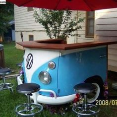 bar table made with old volkswagen - Amazing furniture made from old cars