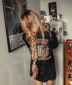 A new season is the perfect time to shake things up by refreshing your hair color. Summer Hairstyles, Cute Hairstyles, Braided Hairstyles, Teenage Hairstyles, Hairstyle Ideas, Hair Inspo, Hair Inspiration, Make Up Braut, Looks Black