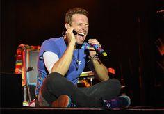 passion at KP Coldplay Tour, Coldplay Chris, Coldplay Concert, Chris Martin, John Martin, Great Bands, Cool Bands, Blue Eyed Men, Viva La Vida