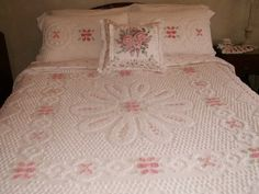 Vintage Linen Treasures: White Chenille and Pink Roses
