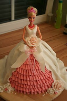 This is so cute I had this cake on one of my birthdays 9th Birthday Cake, Happy Birthday Cakes, Bolo Barbie, Barbie Doll, Barbie Cake Designs, Dolly Varden Cake, Princess Diaper Cakes, Cake Pops, Princesa Sophia